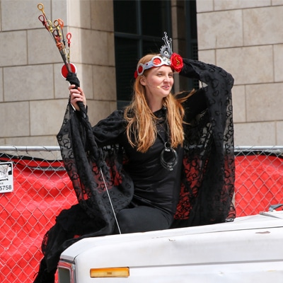 Shakespeare in the Parking Lot - female performer
