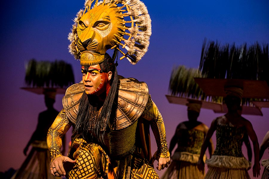 "Gerald Ramsey as ""Mufasa"" in THE LION KING North American Tour. ©Disney. Photo by Matthew Murphy."