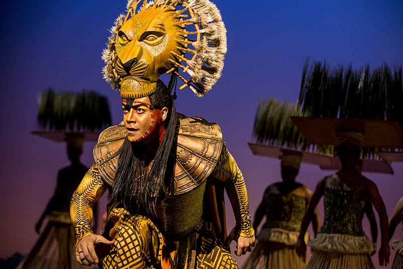 Gerald Ramsey as Mufasa in The Lion King North American_ our. ©Disney._Photo by Matthew Murphy