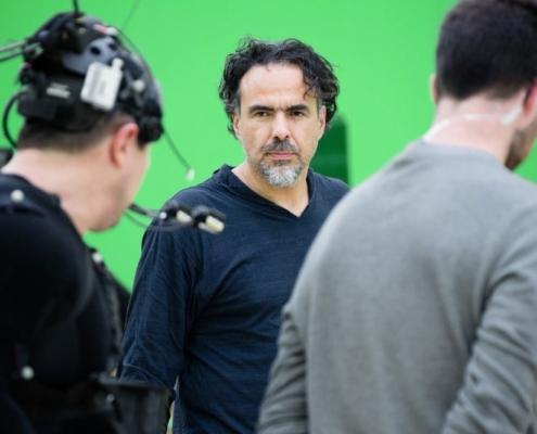 CARNE y ARENA, 2017. Alejandro González Iñárritu directing during a motion capture shoot. Photo by Chachi Ramirez. Credit © Legendary