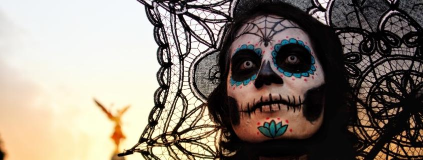 5 Marvelous Makeup Tips for Halloween - photo by Salvador Altamirano on Unsplash